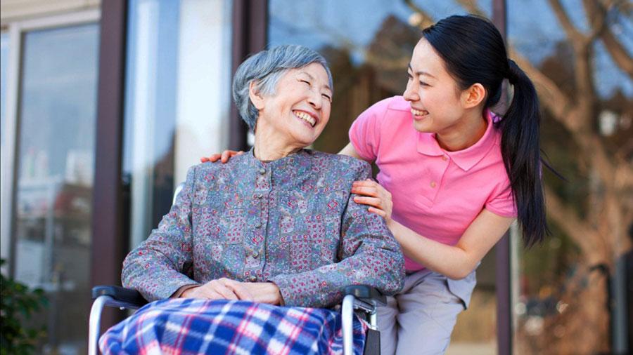 Người giúp việc nên biết cách lựa chọn nhà chủ tử tế và làm việc tử tế